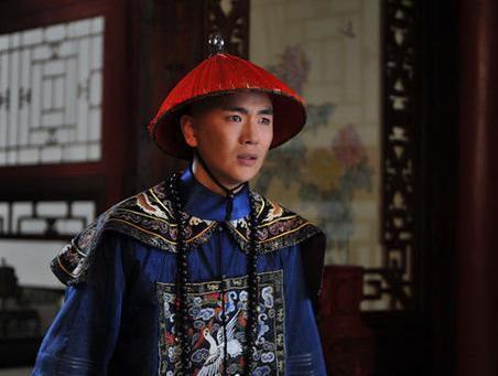 张晓龙在《甄嬛传》里饰演温太医。 图片来源:视频截图