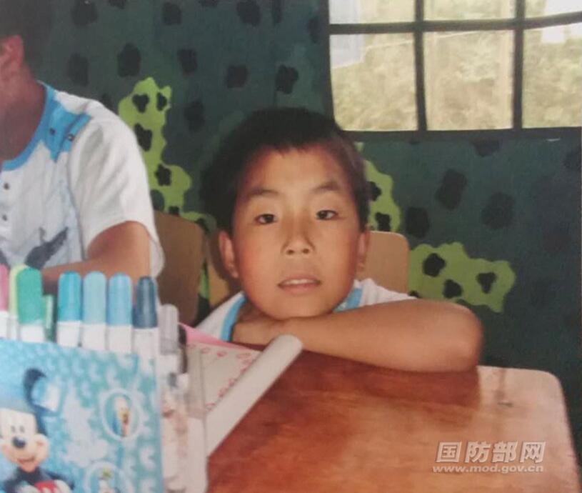 皇家彩票网官方网站:汶川地震遗孤,长大后成了高原武警战士