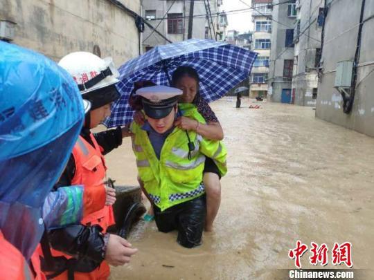 7月6日至7日,强降雨造成三明泰宁、建宁、将乐3个县的12个城镇各乡村内涝。三明电力供图
