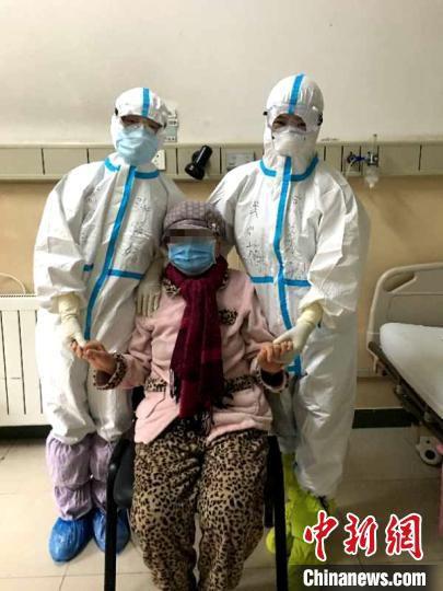 陕西一新冠肺炎危重症患者康复出院。西安交大一附院