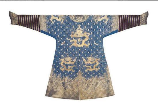 龙袍背面 图片来源:拍卖行截图