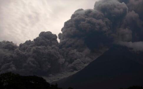 北京赛车稳赢:危地马拉火山喷发致62人丧生_全国哀悼3天