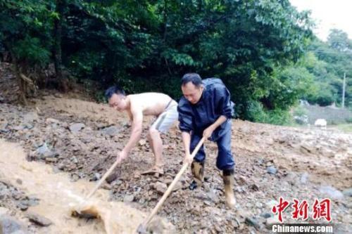 暴雨洪涝致汉中市略阳县8镇办受灾