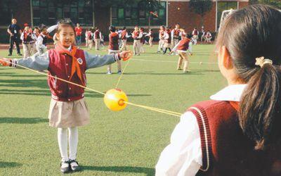 中国未成年人近视低龄化 预估近视中小学生超1亿