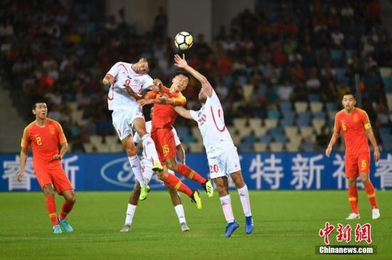 资料图:中国队在比赛中 中新社记者 骆云飞 摄