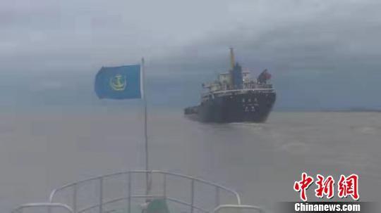 图为救援现场。台州海事局供图