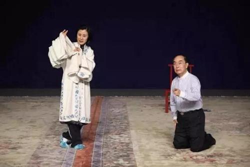 此前,排练《断桥》时,叶少兰(左)饰演许仙。中国戏曲学院供图