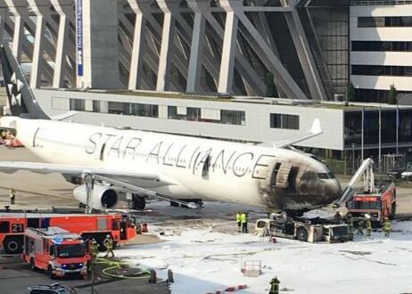 北京赛车app下载:一架客机在德国法兰克福机场起火_致10人受伤
