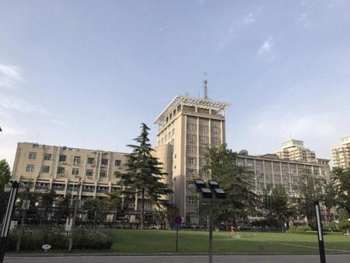 最新电子游戏网址:北京高温今持续_高考日气温回落至33℃山区有雨