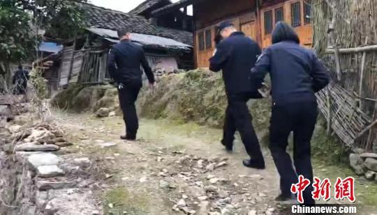 海盐民警赴贵州实地核实信息 海盐警方供图