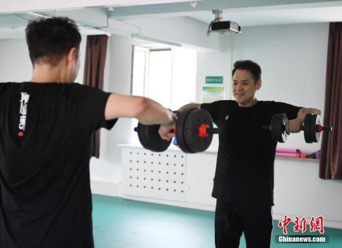 锻炼配合规律的作息,才能达到减肥的效果。