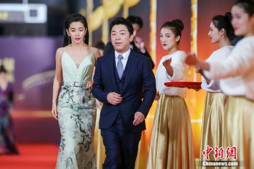 李冰冰、黄渤担当第17届华表奖主持。来源:主办方供图