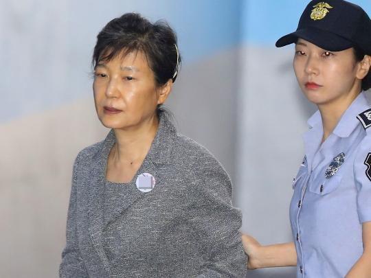 幸运彩票网安全吗:朴槿惠财产被冻结是乌龙?韩国法院:手抖写错了