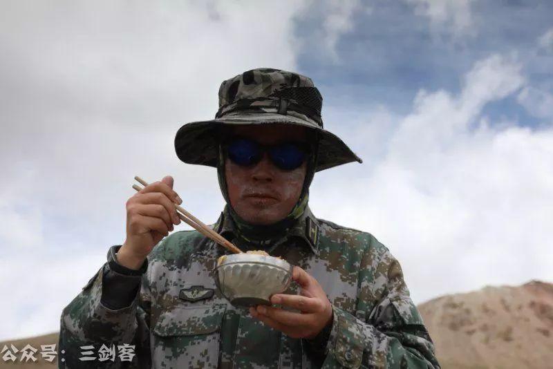 C8彩票:中国军人最真实照片公布,千万别让他们父母看见