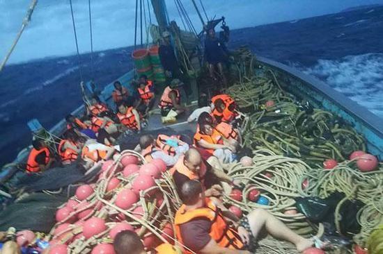 澳门国际金沙娱乐:两艘船只在泰国普吉岛翻覆_船上有中国游客