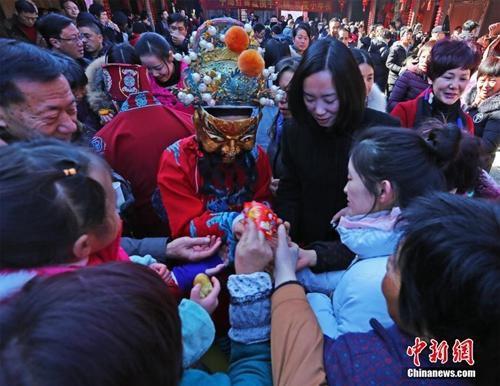资料图:浙江宁海山村庆小年。陈云松 摄