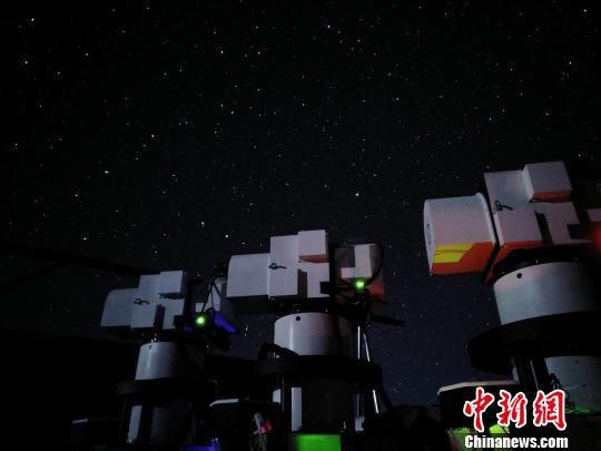 """用于与""""墨子号""""进行量子通信的阿里地面站望远镜。 中科大/供图 摄"""