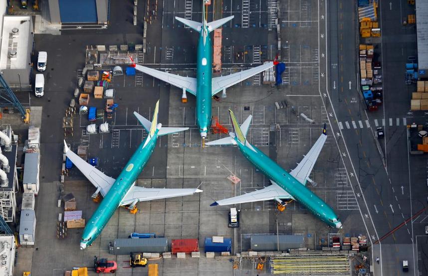 再走一人!波音宣布737MAX高����年底退休