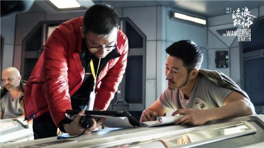 名人彩票娱乐平台:这部中国自己的科幻电影,让吴京光看剧本就被感动到哭……