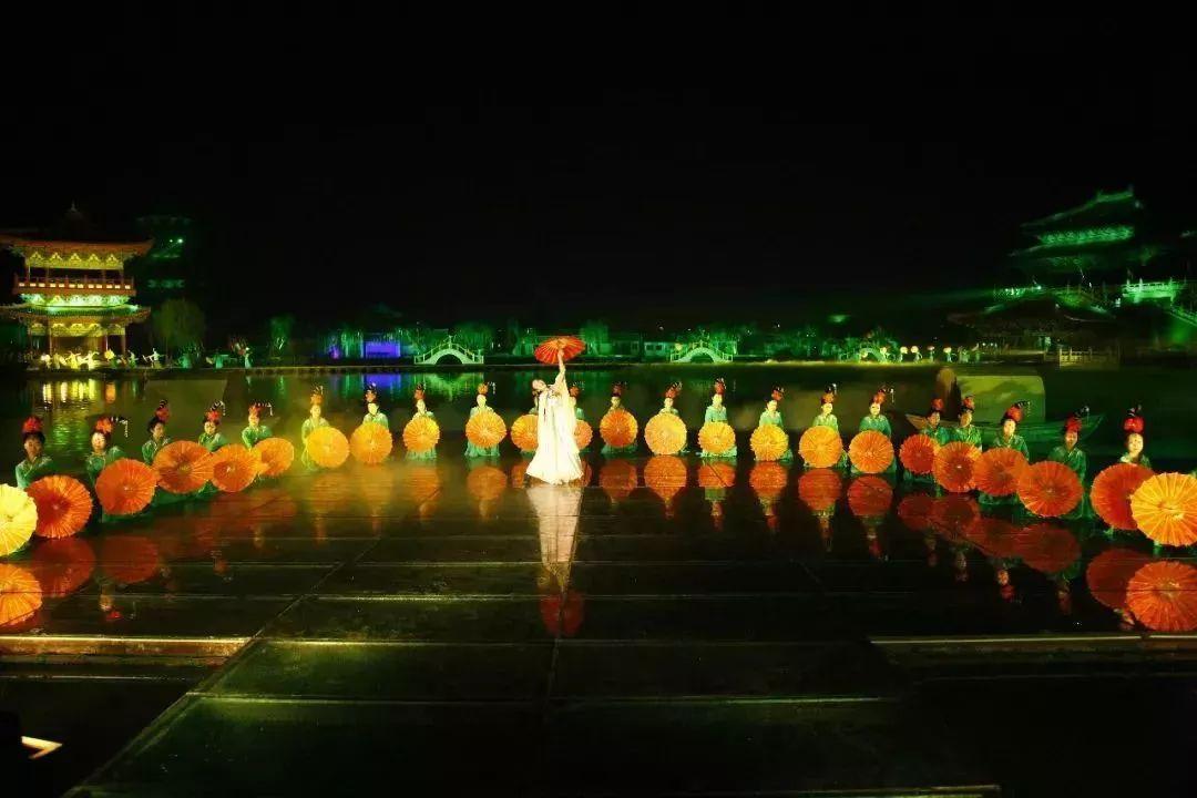 清明上河园璀璨夜景,再现《东京梦华录》不夜天!